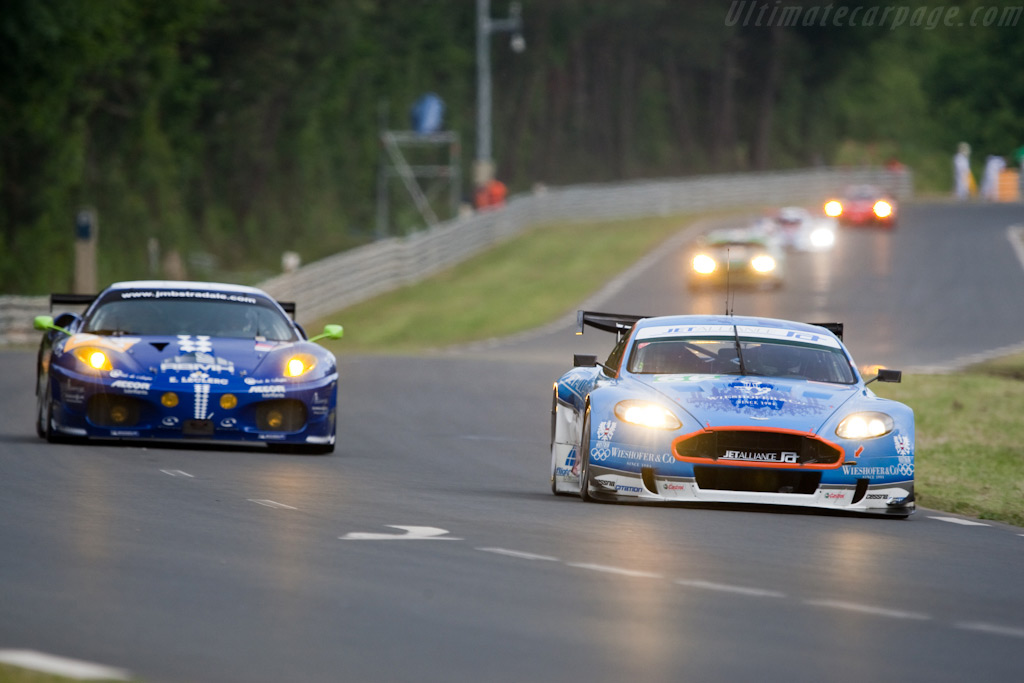 Swooping towards the Porsche curves - Chassis: DBR9/103   - 2009 24 Hours of Le Mans