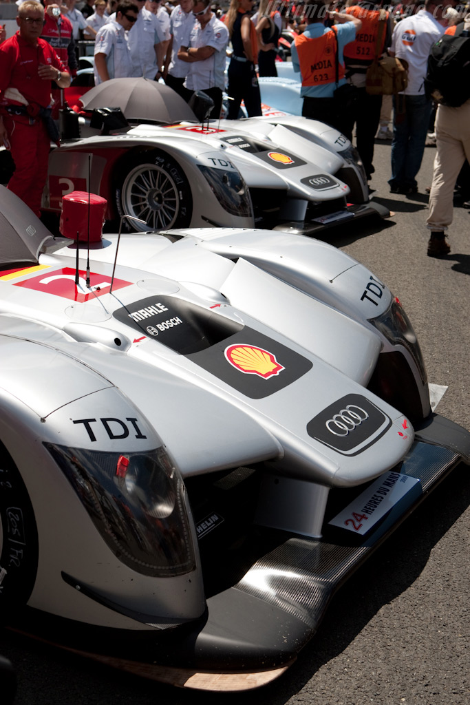 The #2 and #3 Audis - Chassis: 104   - 2009 24 Hours of Le Mans