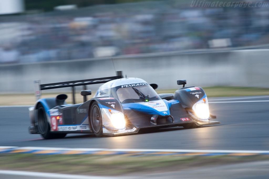 The #9 Peugeot leading - Chassis: 908-06   - 2009 24 Hours of Le Mans