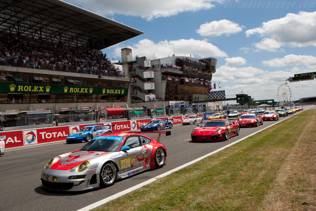 The grid - Chassis: WP0ZZZ99Z9S799913   - 2009 24 Hours of Le Mans
