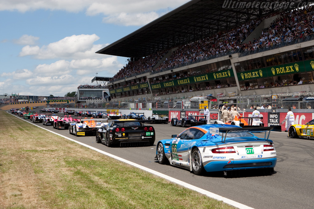 The grid - Chassis: DBR9/103   - 2009 24 Hours of Le Mans
