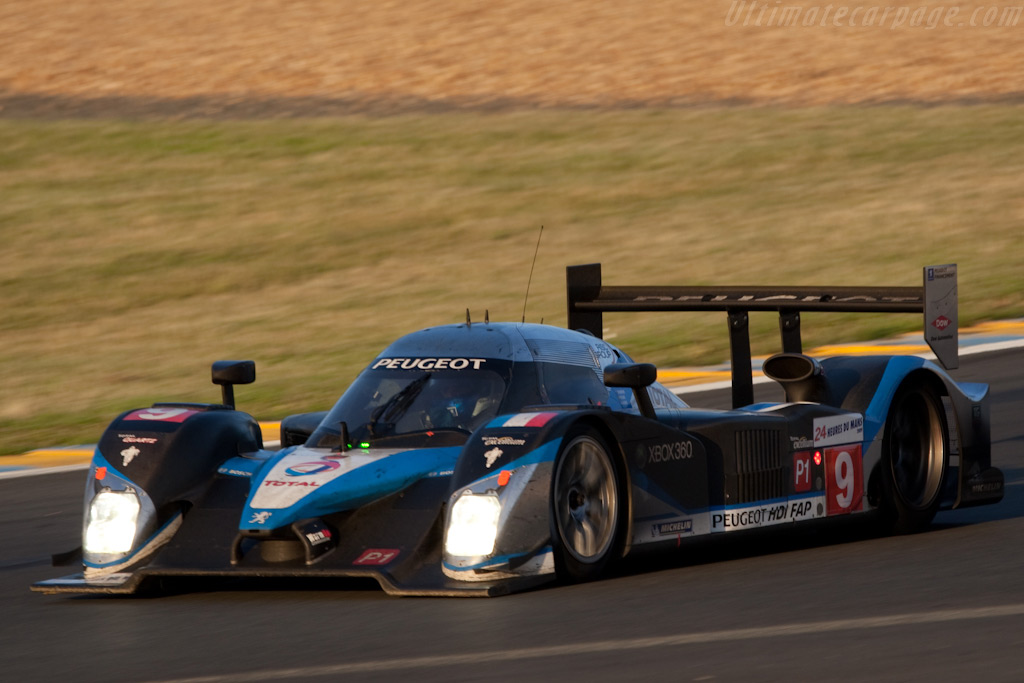 The leading Peugeot - Chassis: 908-06   - 2009 24 Hours of Le Mans