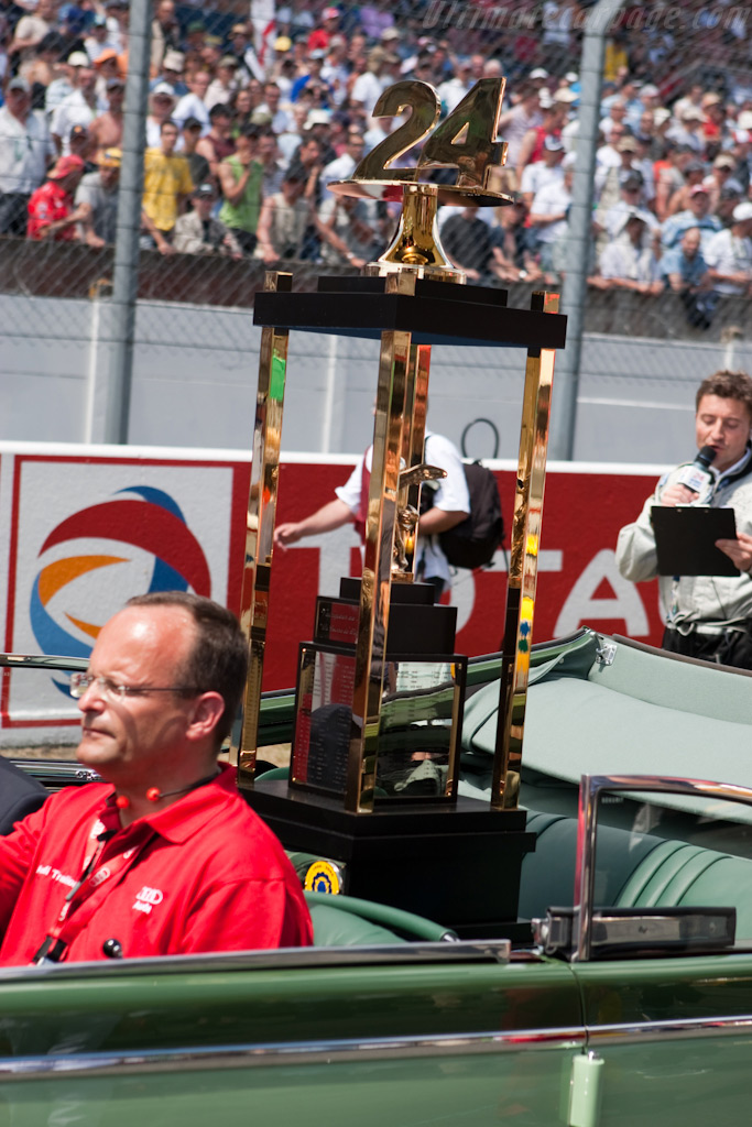 The trophy    - 2009 24 Hours of Le Mans