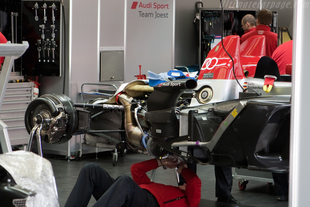 Tight packaging - Chassis: 104   - 2009 24 Hours of Le Mans