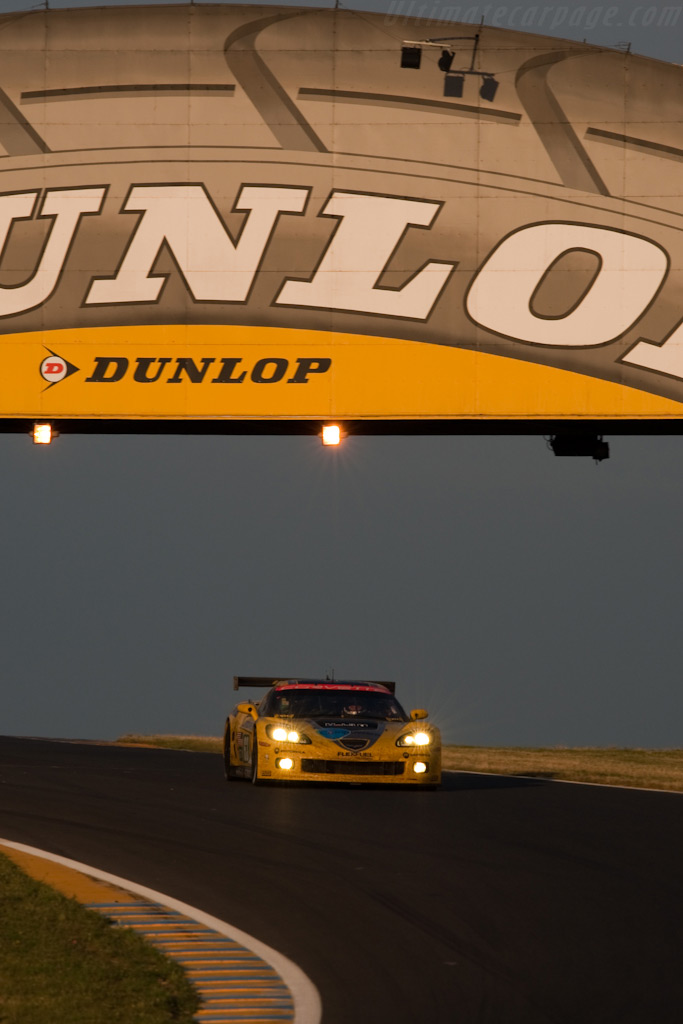 Under the Dunlop bridge - Chassis: 007   - 2009 24 Hours of Le Mans