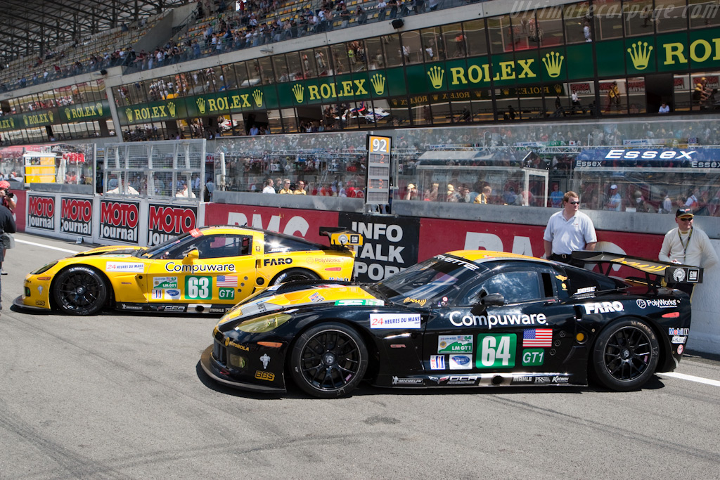 Works C6.Rs line up one final time - Chassis: 008   - 2009 24 Hours of Le Mans