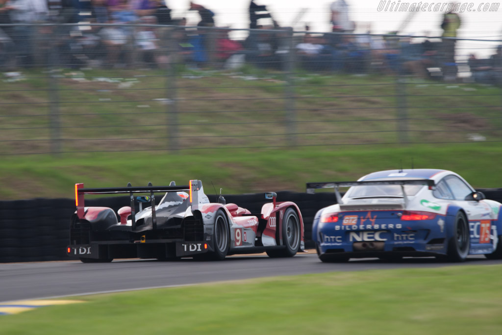 Audi rushing past traffic - Chassis: 204   - 2010 24 Hours of Le Mans