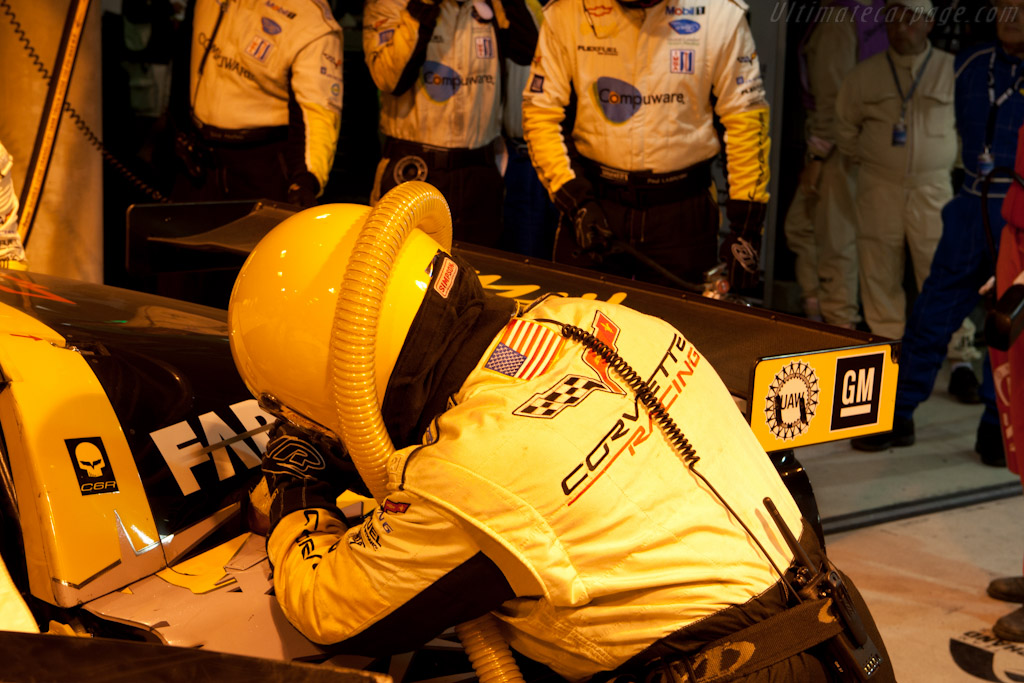 Corvette Refueling - Chassis: 001  - 2010 24 Hours of Le Mans