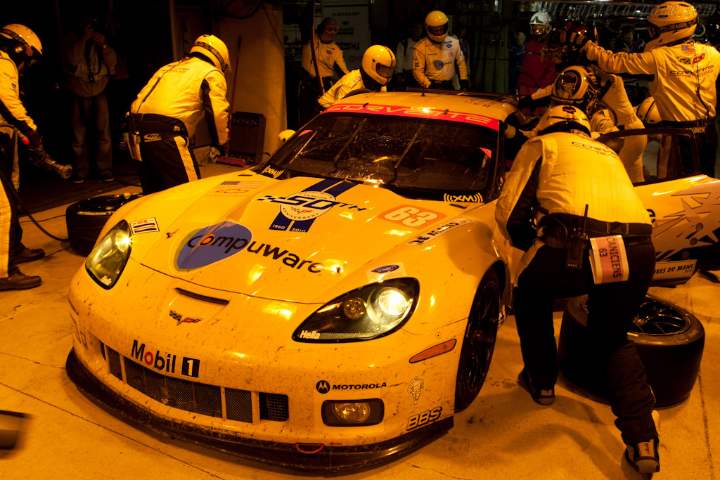 Driver Change - Chassis: 001   - 2010 24 Hours of Le Mans