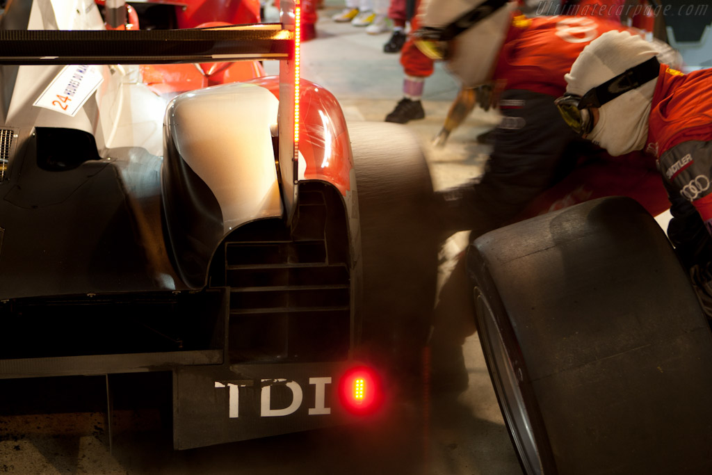 Fresh rubber - Chassis: 204   - 2010 24 Hours of Le Mans