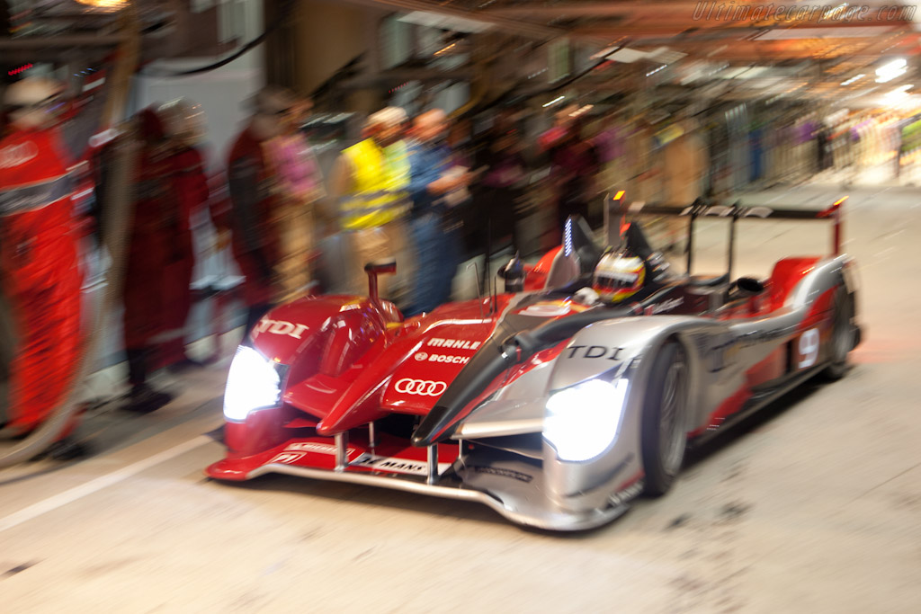 Incoming Audi    - 2010 24 Hours of Le Mans
