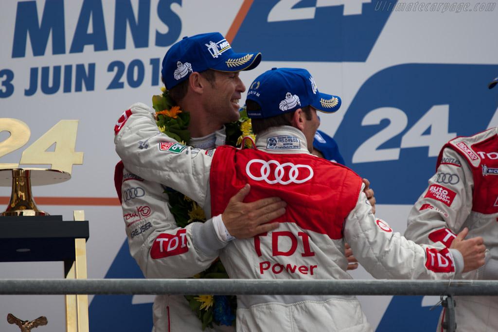 Kristensen congratulates Dumas    - 2010 24 Hours of Le Mans