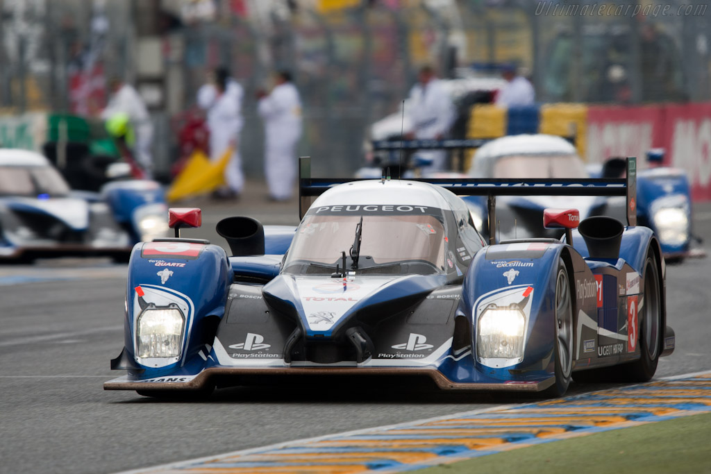 Peugeot's early lead - Chassis: 908-06   - 2010 24 Hours of Le Mans