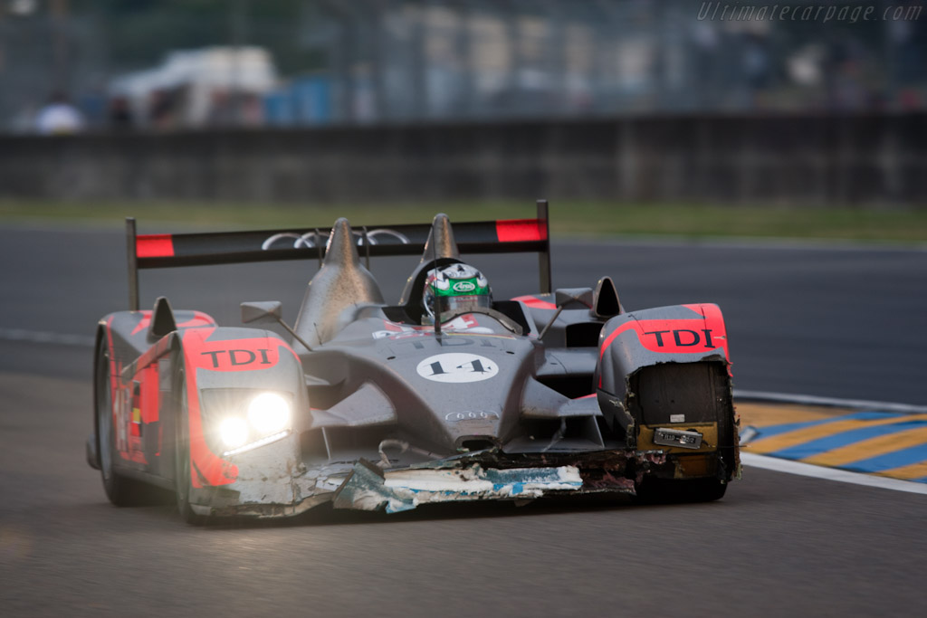 Rodriguez kissed the wall - Chassis: 201   - 2010 24 Hours of Le Mans