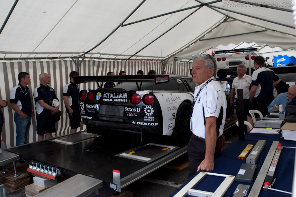 Scrutineering at Jacobins - Chassis: 002   - 2010 24 Hours of Le Mans