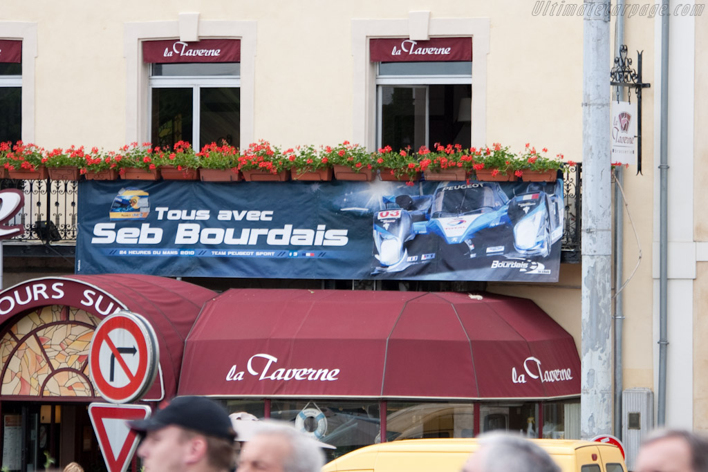 Support for Bourdais   - 2010 24 Hours of Le Mans