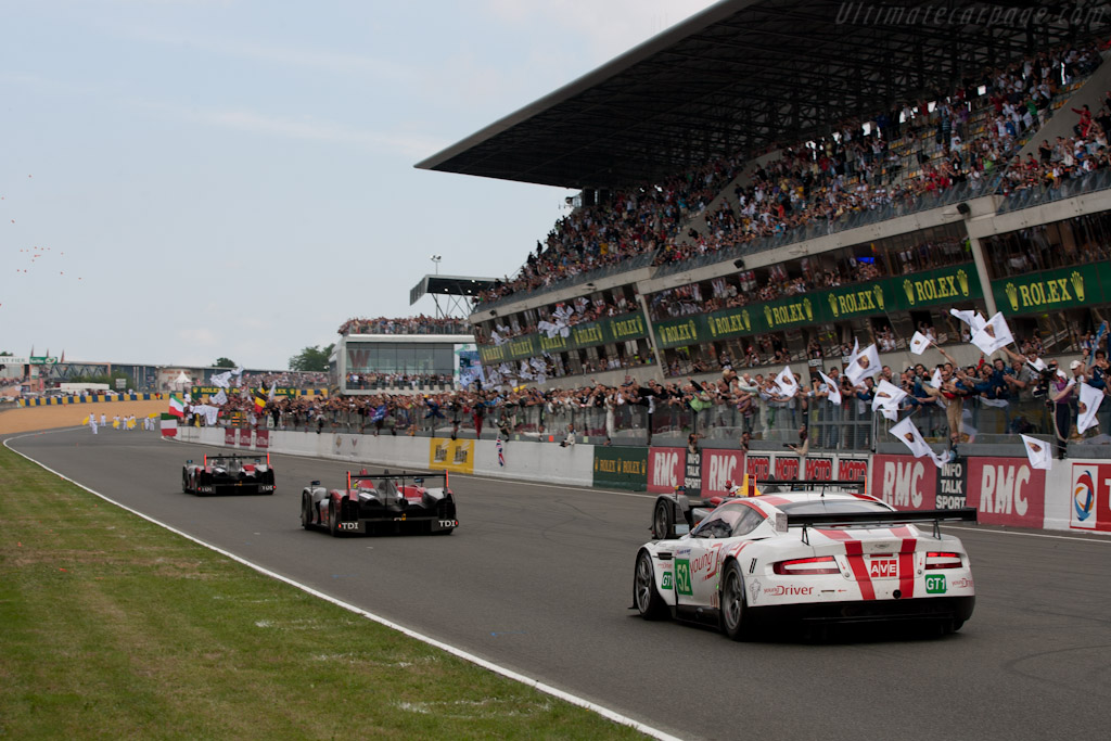 The Finish - Chassis: DBR9/106   - 2010 24 Hours of Le Mans