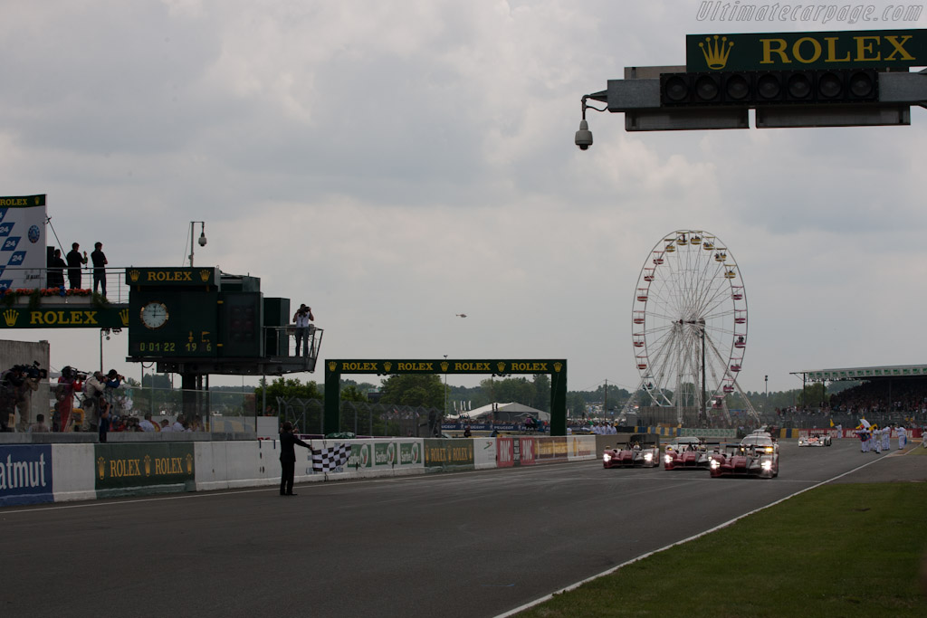 The Finish - Chassis: 204   - 2010 24 Hours of Le Mans