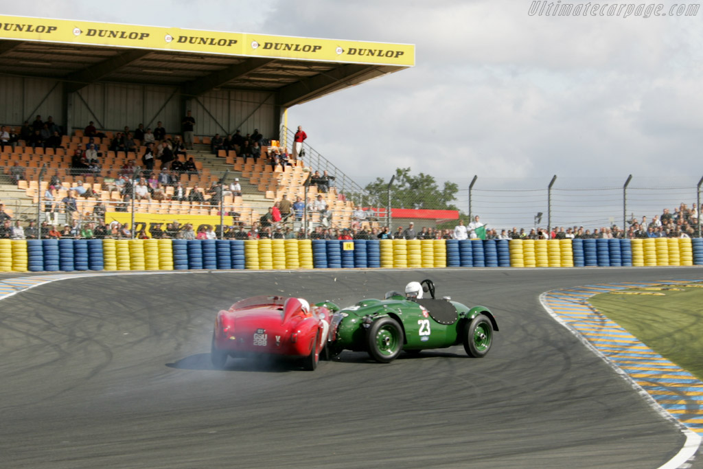 AC and Frazer Nash collide    - 2011 24 Hours of Le Mans