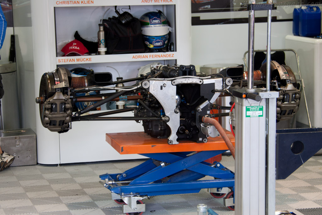 Aston Martin gearbox - Chassis: 1   - 2011 24 Hours of Le Mans
