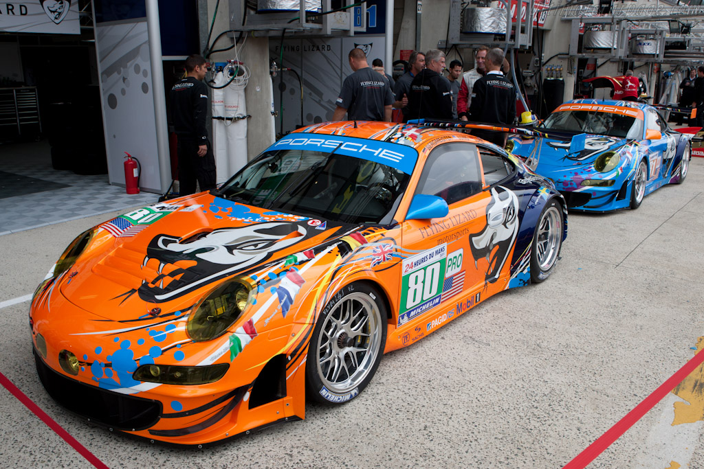 Flying Lizard Porsche livery - Chassis: WP0ZZZ99Z8S799913b   - 2011 24 Hours of Le Mans