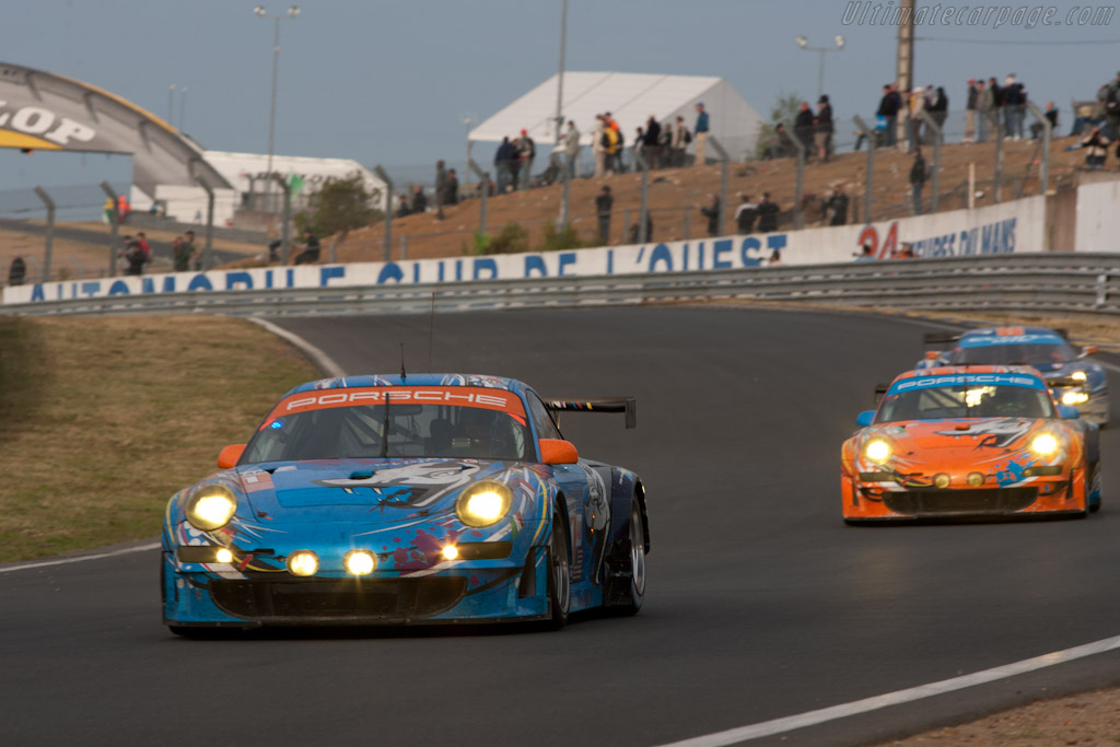 Flying Lizard Porsches - Chassis: WP0ZZZ99Z8S799912  - 2011 24 Hours of Le Mans