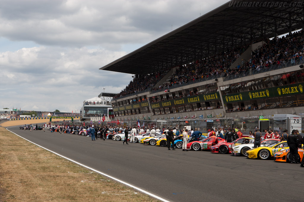 Green flag    - 2011 24 Hours of Le Mans