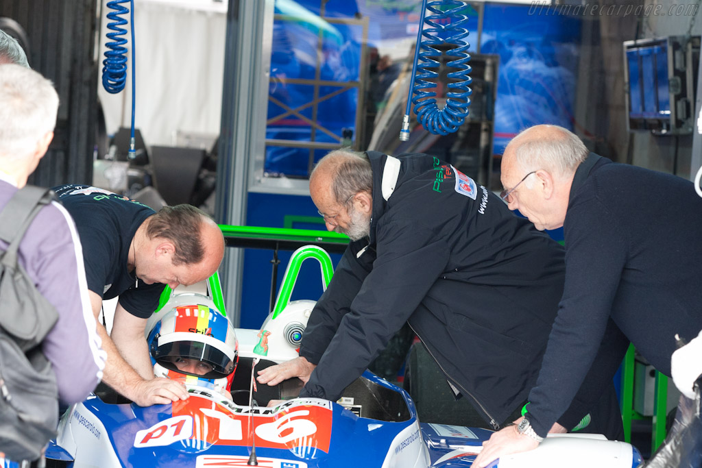Henri Pescarolo - Chassis: 01-08   - 2011 24 Hours of Le Mans