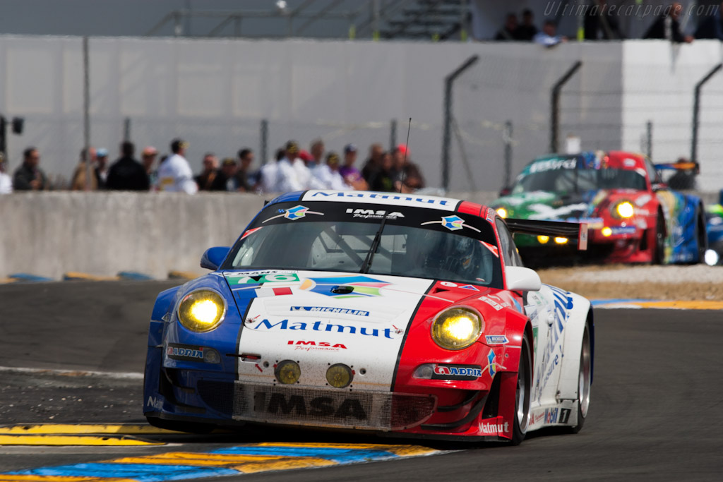Hopping Porsches - Chassis: WP0ZZZ99Z9S799915   - 2011 24 Hours of Le Mans