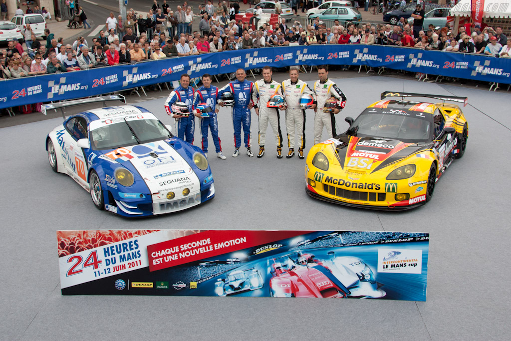 Larbre has two very different cars - Chassis: WP0ZZZ99Z9S799916   - 2011 24 Hours of Le Mans