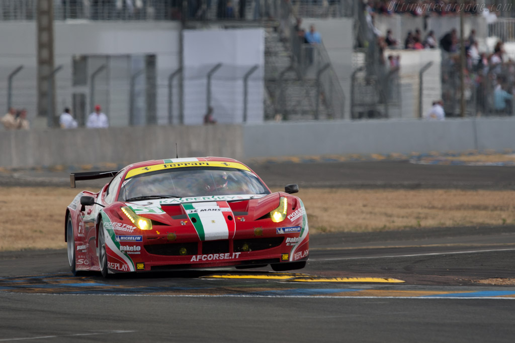 Over the kerbs - Chassis: 2826   - 2011 24 Hours of Le Mans