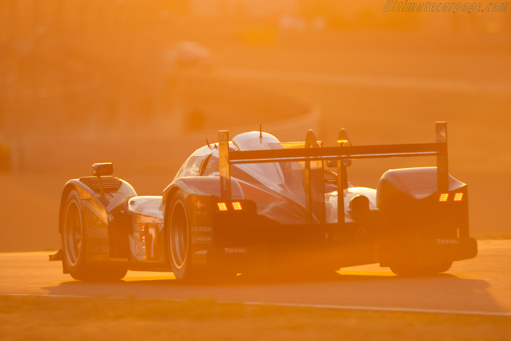 Peugeot 908 - Chassis: 908-04   - 2011 24 Hours of Le Mans