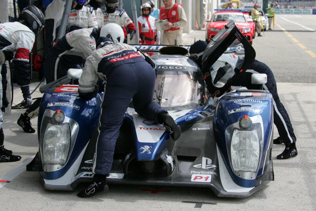 Peugeot stop - Chassis: 908-05   - 2011 24 Hours of Le Mans