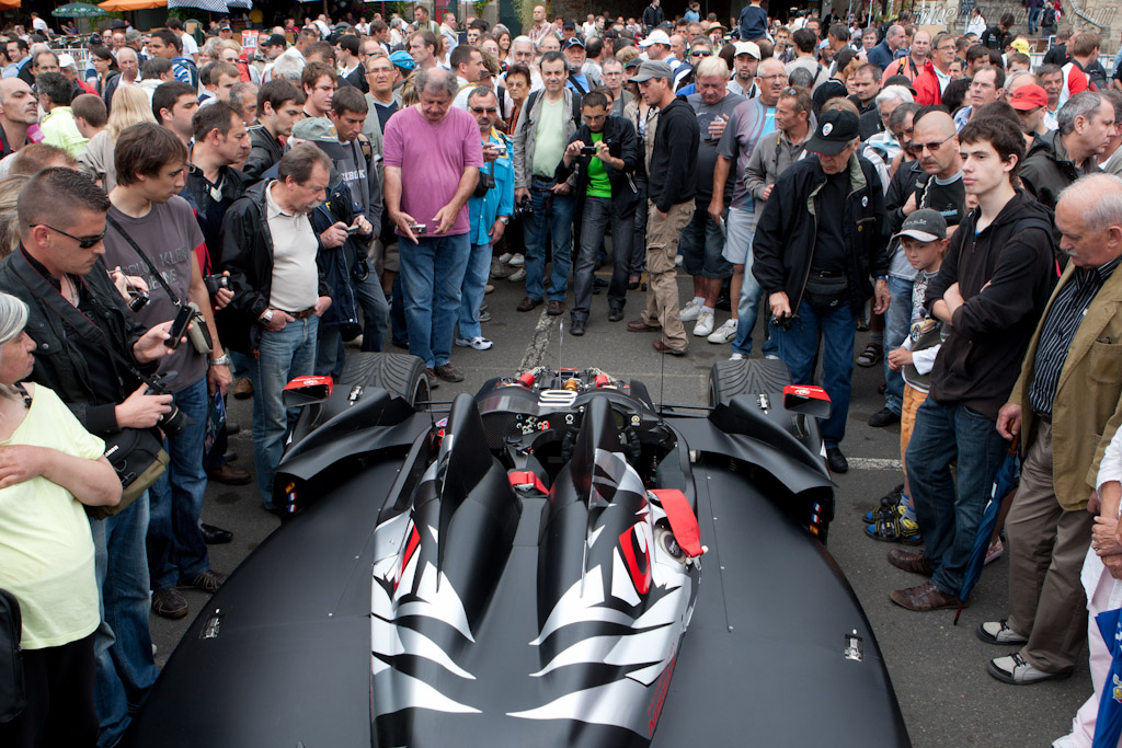 Strong crowd    - 2011 24 Hours of Le Mans