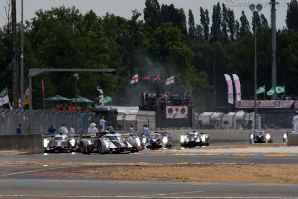 The six protagonists in the haze - Chassis: 106  - 2011 24 Hours of Le Mans