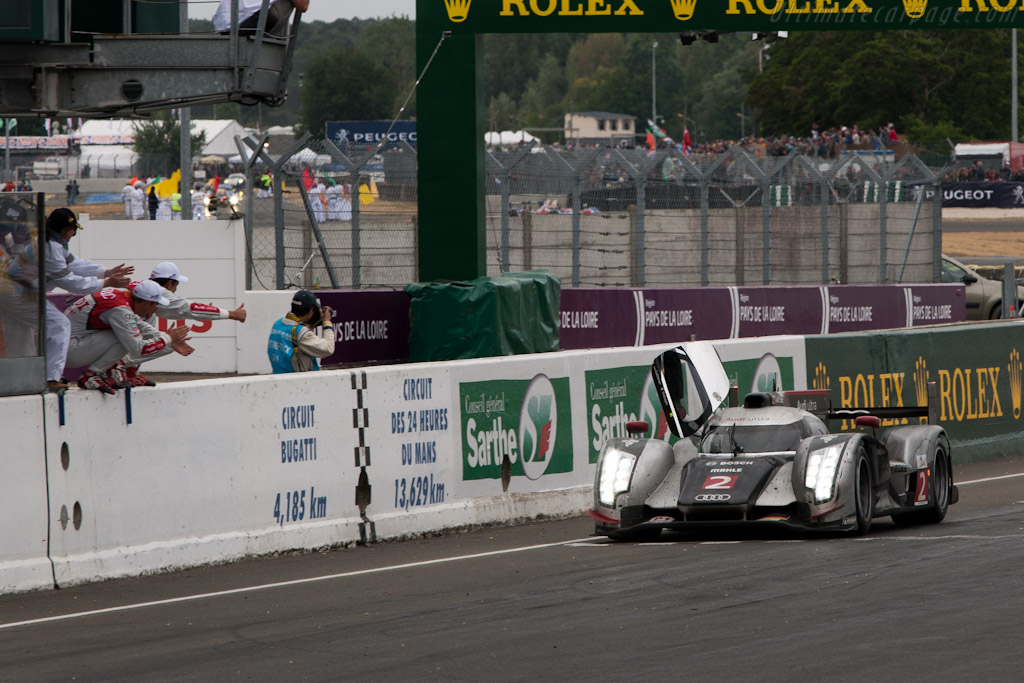 The winning car and drivers - Chassis: 106   - 2011 24 Hours of Le Mans