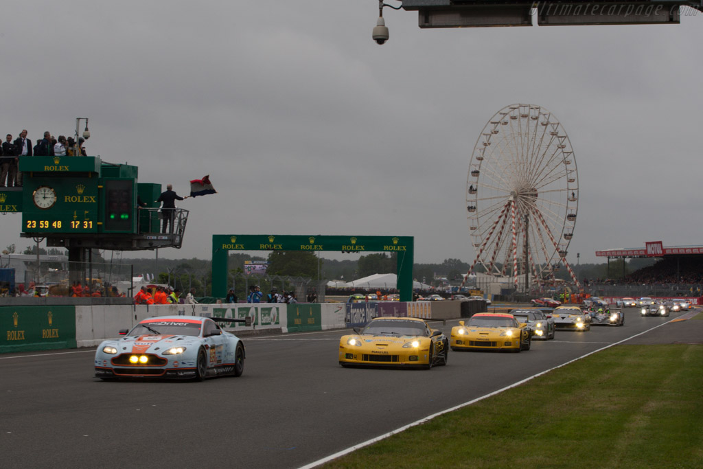 Off they go    - 2013 24 Hours of Le Mans