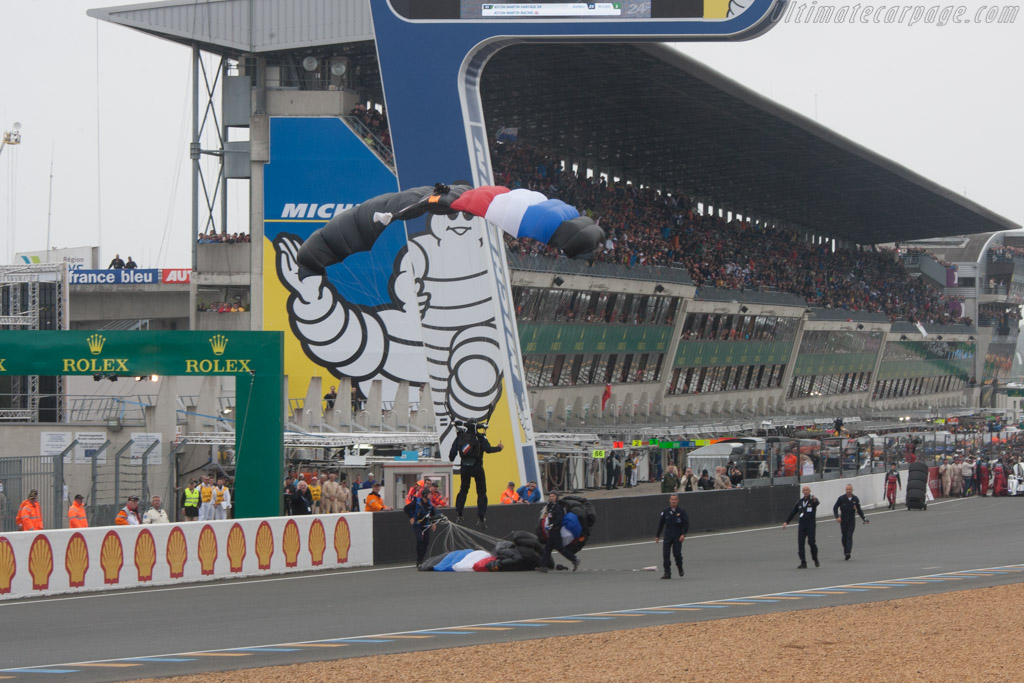 Parachute jumpers    - 2013 24 Hours of Le Mans