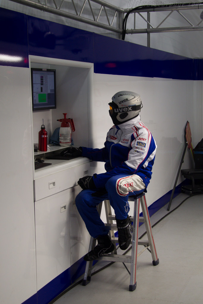 Toyota Mechanic 2013 24 Hours Of Le Mans