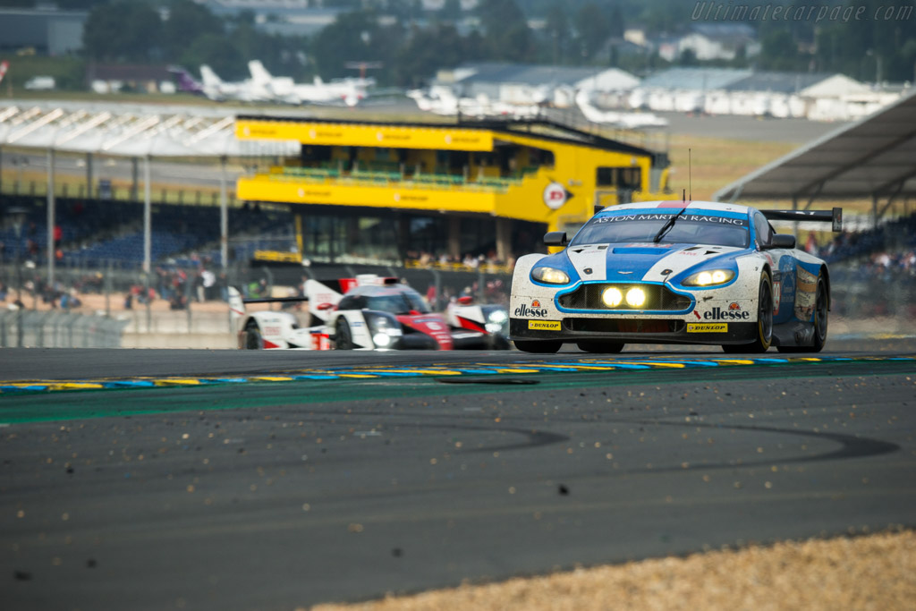 Aston Martin V8 Vantage GTE  - Entrant: Aston Martin Racing - Driver: Andrew Howard / Liam Griffin / Gary Hirsch  - 2016 24 Hours of Le Mans