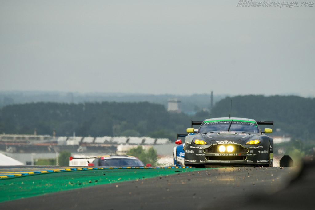 Aston Martin V8 Vantage GTE - Chassis: GTE-003 - Entrant: Aston Martin Racing - Driver: Paul Dalla Lana / Pedro Lamy / Mathias Lauda - 2016 24 Hours of Le Mans