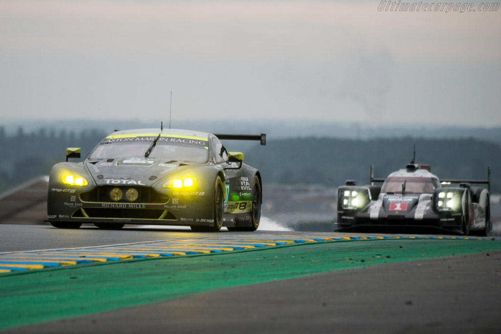 Aston Martin V8 Vantage GTE - Chassis: GTE-005 - Entrant: Aston Martin Racing - Driver: Richie Stanaway / Fernando Rees / Jonathan Adam  - 2016 24 Hours of Le Mans