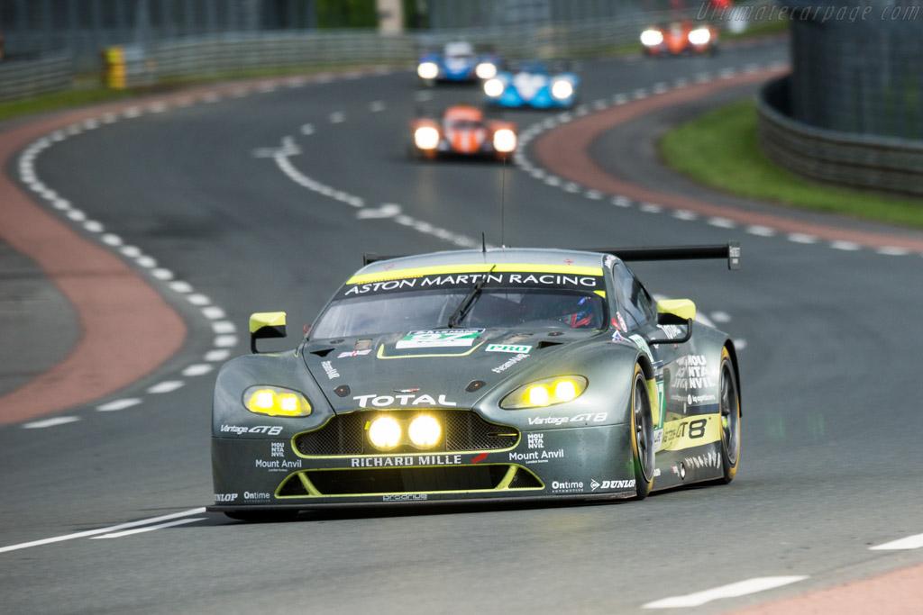 Aston Martin V8 Vantage GTE  - Entrant: Aston Martin Racing - Driver: Richie Stanaway / Fernando Rees / Jonathan Adam  - 2016 24 Hours of Le Mans
