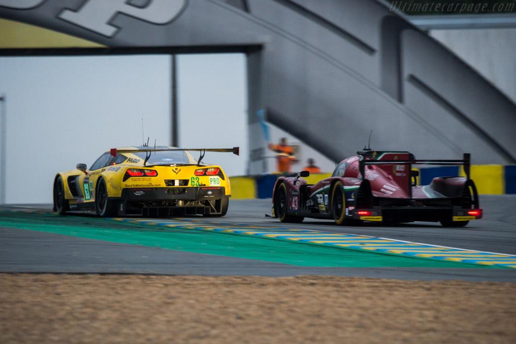 Chevrolet Corvette Z06  - Entrant: Corvette Racing - Driver: Jan Magnussen / Antonio Garcia / Ricky Taylor  - 2016 24 Hours of Le Mans