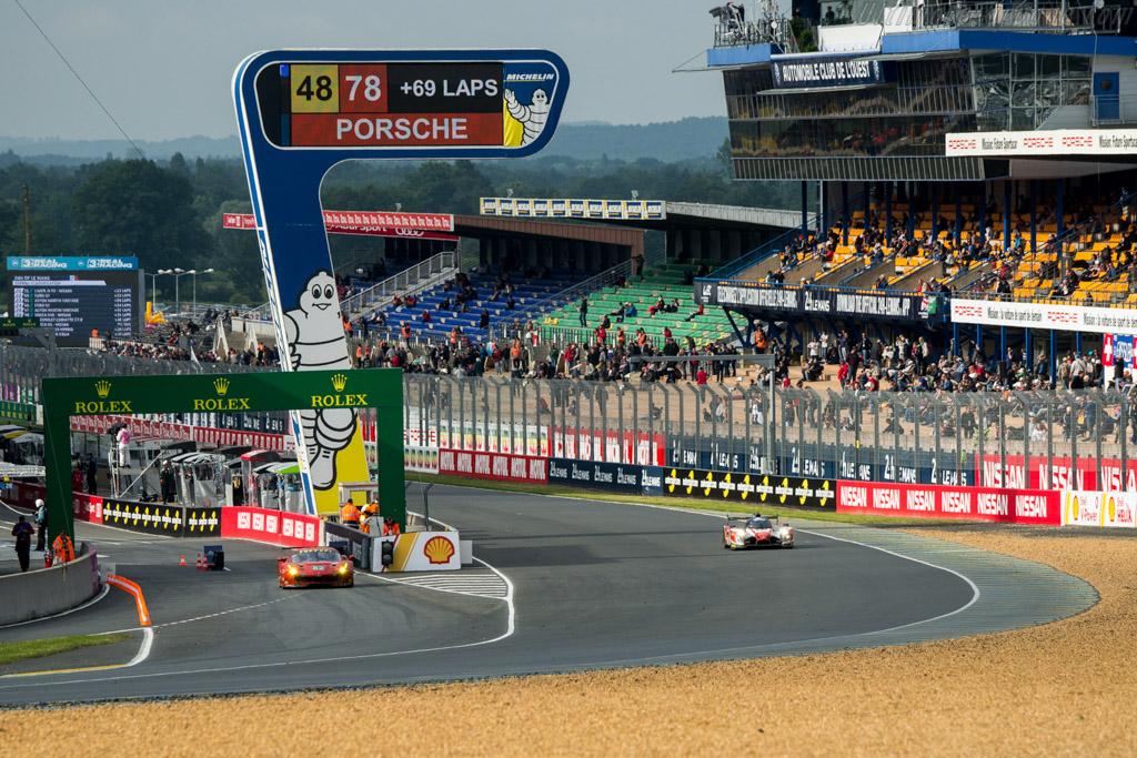Ferrari 488 GTE  - Entrant: Risi Competizione - Driver: Giancarlo Fisichella / Toni Villander / Matteo Malucelli  - 2016 24 Hours of Le Mans