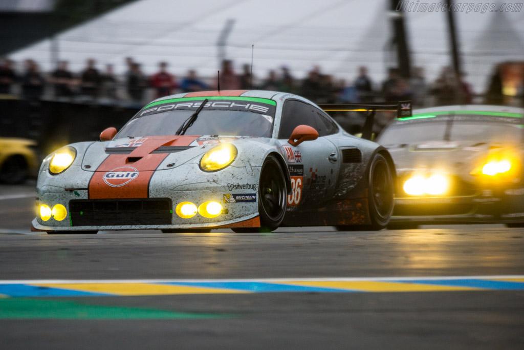 Porsche 911 RSR - Entr...