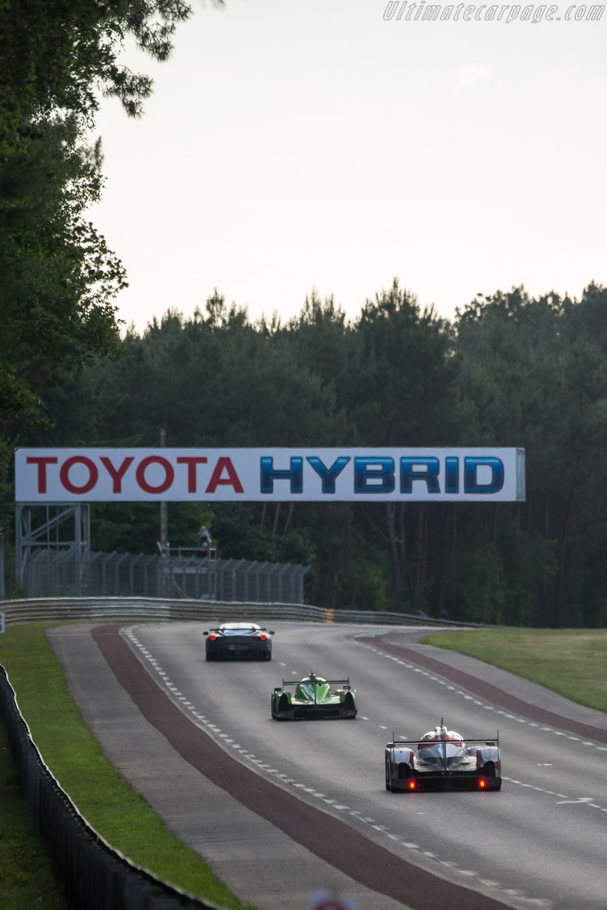 Toyota TS050 Hybrid - Chassis: 16-04 - Entrant: Toyota ...