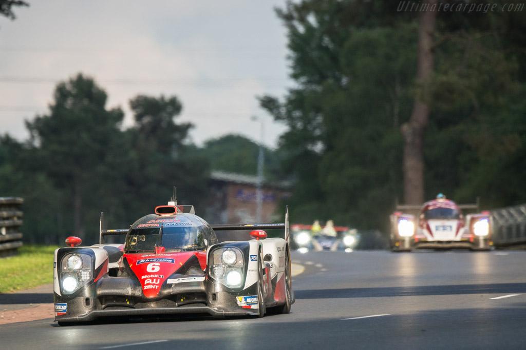 Toyota TS050 Hybrid - Chassis: 16-04 - Entrant: Toyota Gazoo Racing - Driver: Stephane Sarrazin / Michael Conway / Kamui Kobayashi  - 2016 24 Hours of Le Mans
