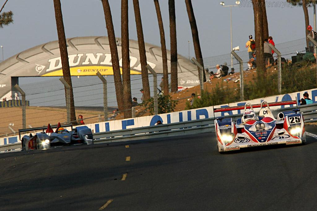 Andy has to look, because he can't hear what's coming - Chassis: B0540-HU05 - Entrant: RML  - 2006 24 Hours of Le Mans