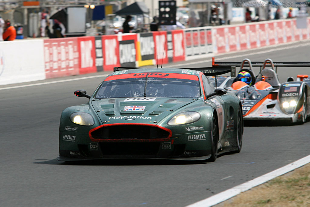 Battered but still running at the end - Chassis: DBR9/3 - Entrant: Aston Martin Racing  - 2006 24 Hours of Le Mans